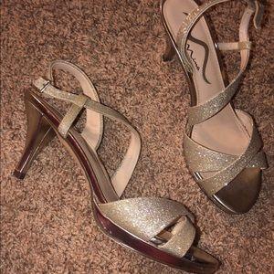 Size 7 1/2 strappy short heel